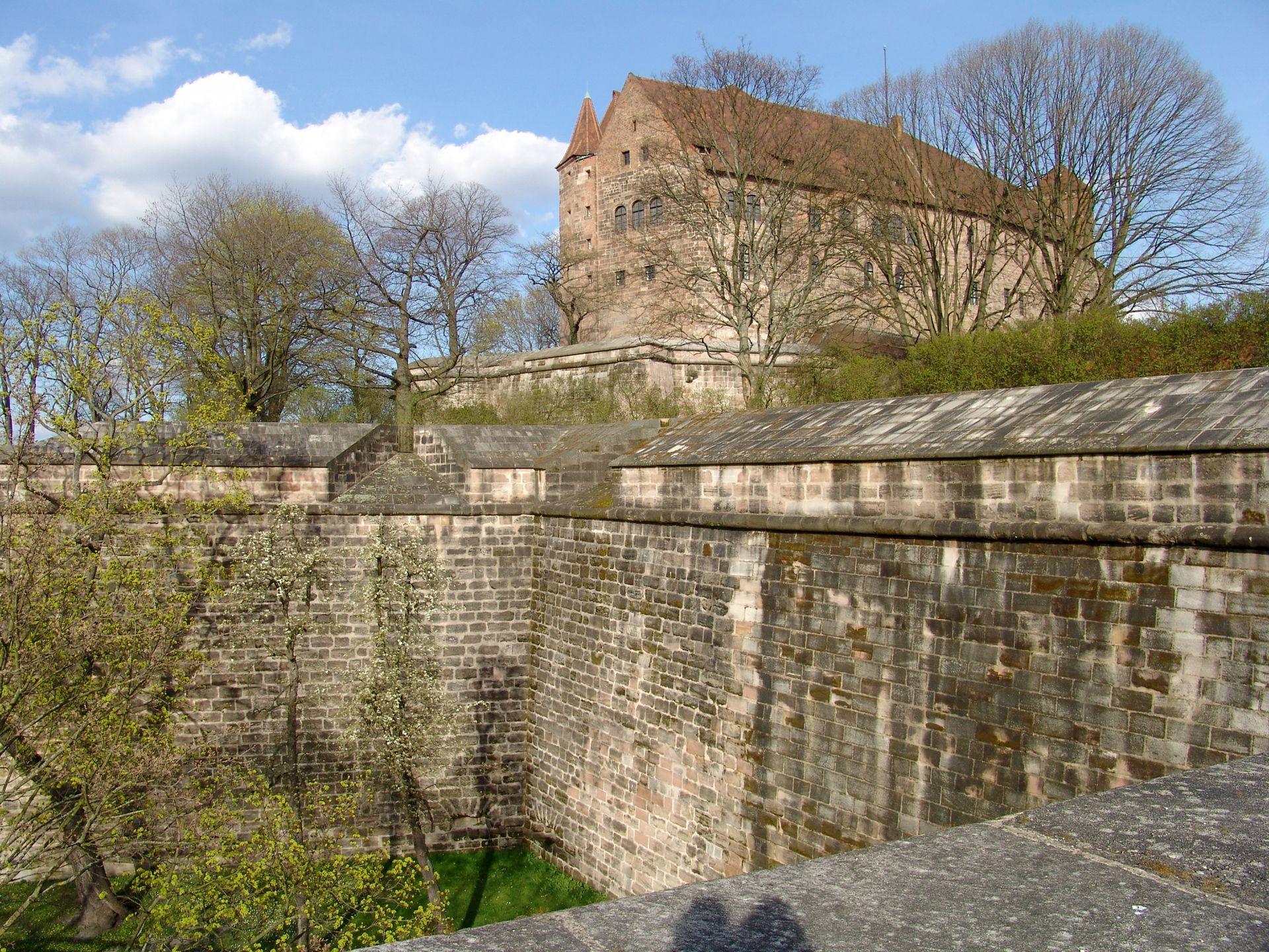 Stadtbefestigung von Fazuni Burgbasteien von der Tiergärtnertorbastei aus