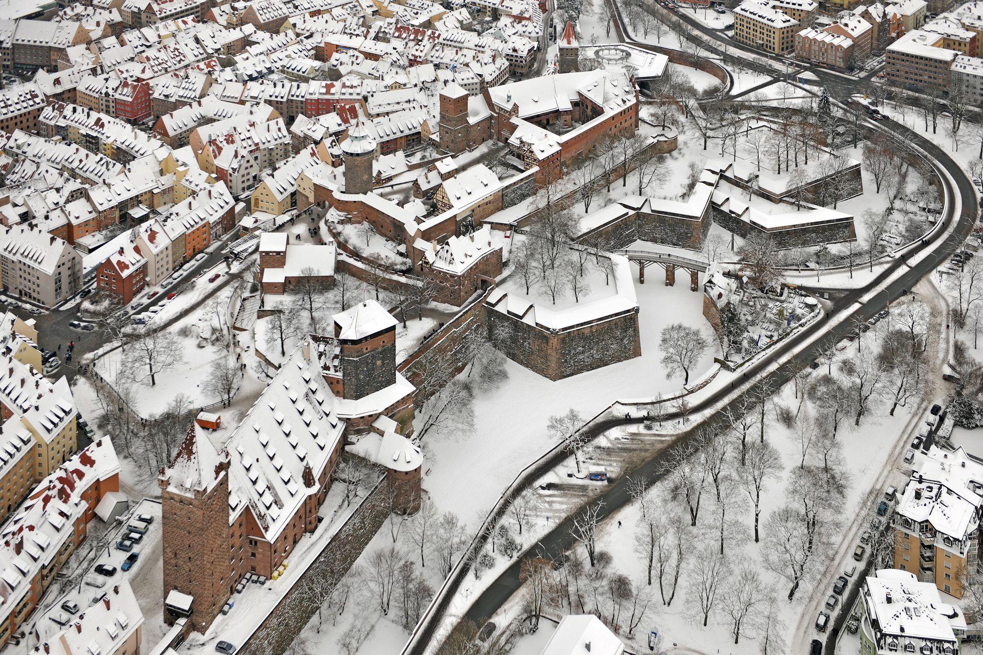 Stadtbefestigung von Fazuni Winteraufnahme, im Vordergrund Vestnertorbastei