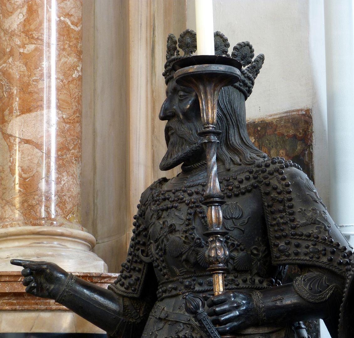 Ferdinand (der Katholische) von Aragón  (Innsbruck) Oberkörper, Schrägansicht