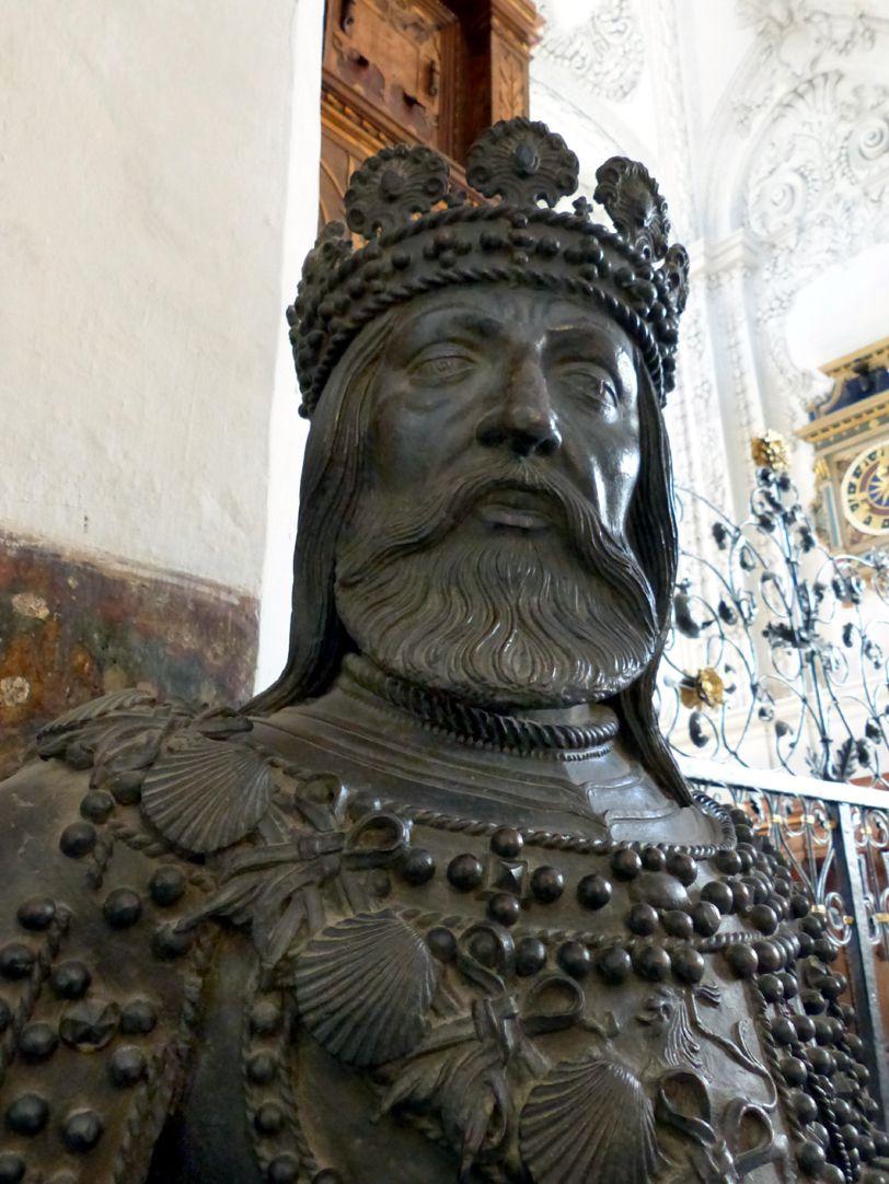 Ferdinand (der Katholische) von Aragón  (Innsbruck) Kopf und Oberkörper