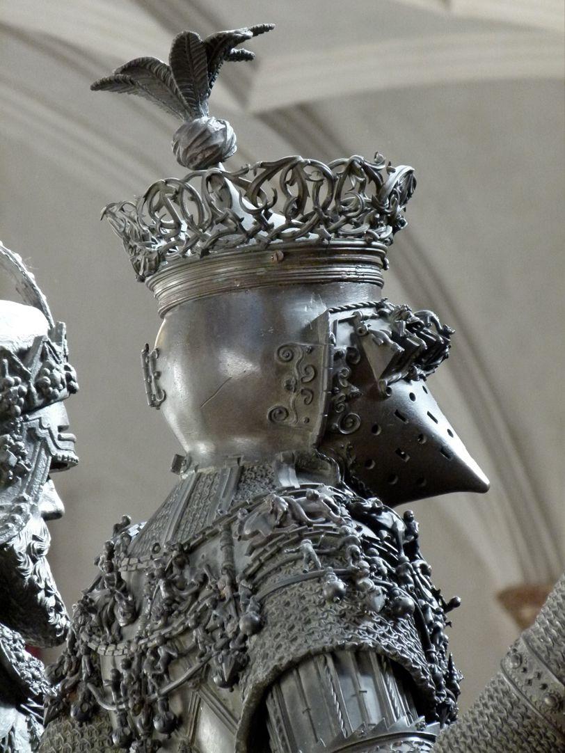 Ferdinand von Portugal (Innsbruck) hintere Schrägansicht auf Schulter und Kopf