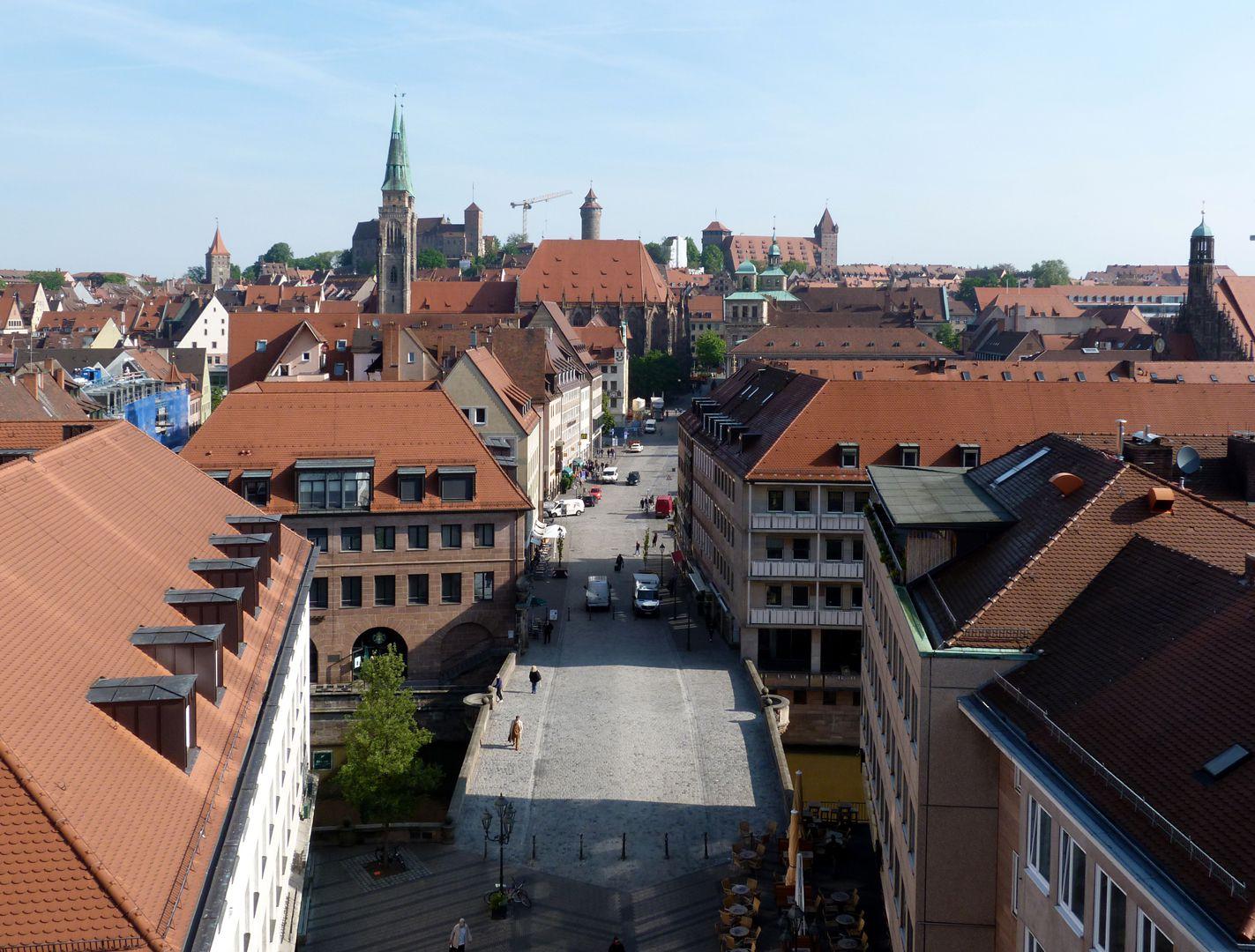 Fleischbrücke Blick von oben in Richtung Sebalduskirche