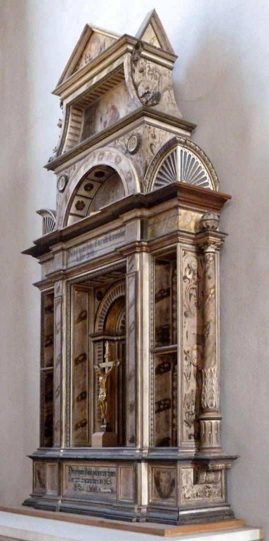 Flötner Altar (Ansbach) Schrägansicht