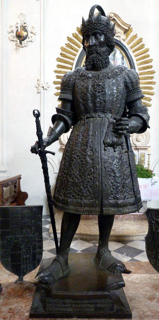 Friedrich IV. mit der leeren Tasche (Innsbruck) Frontalansicht