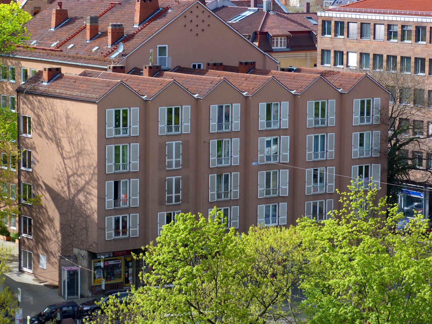 Wohn- und Geschäftshaus Blick von der Stadtmauer