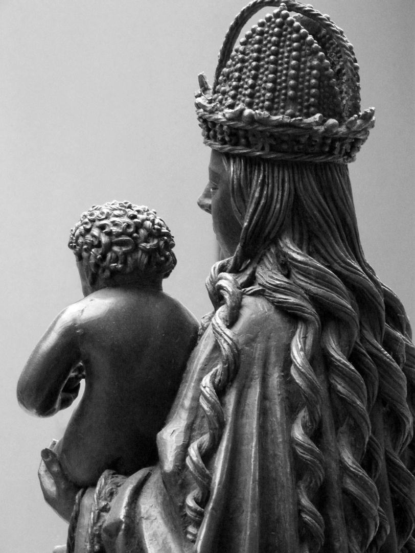 Maria mit dem Kinde Blick über die linke Schulter