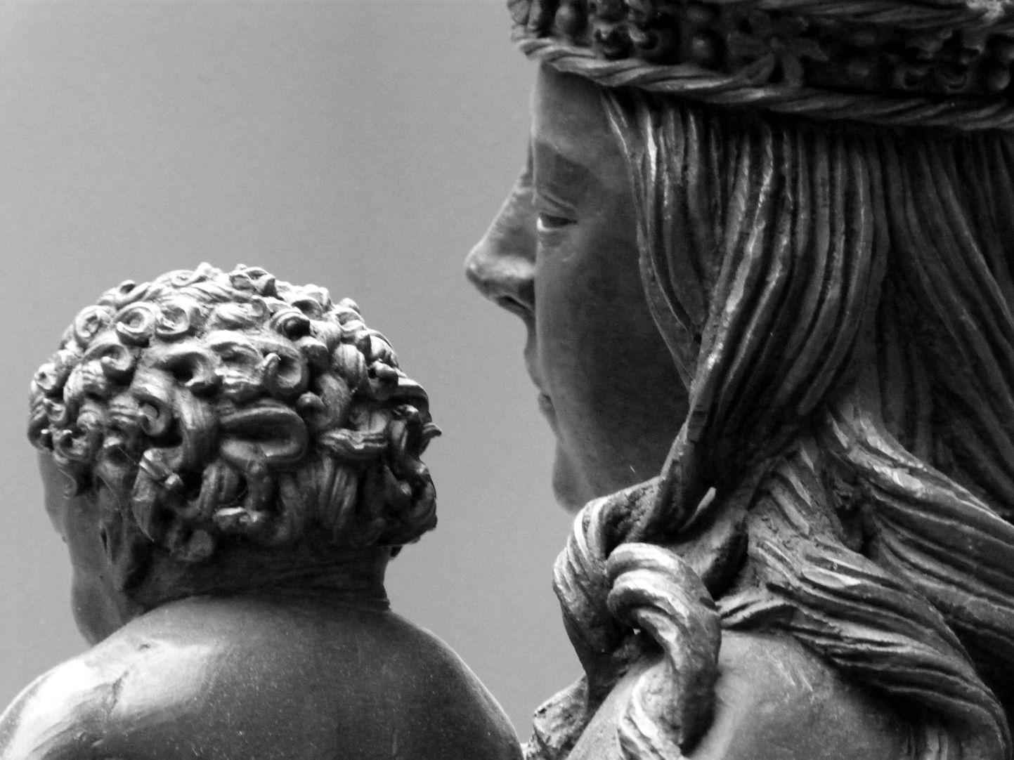 Maria mit dem Kinde Das kraushaarige Kind mit Detail von Marias Kopf