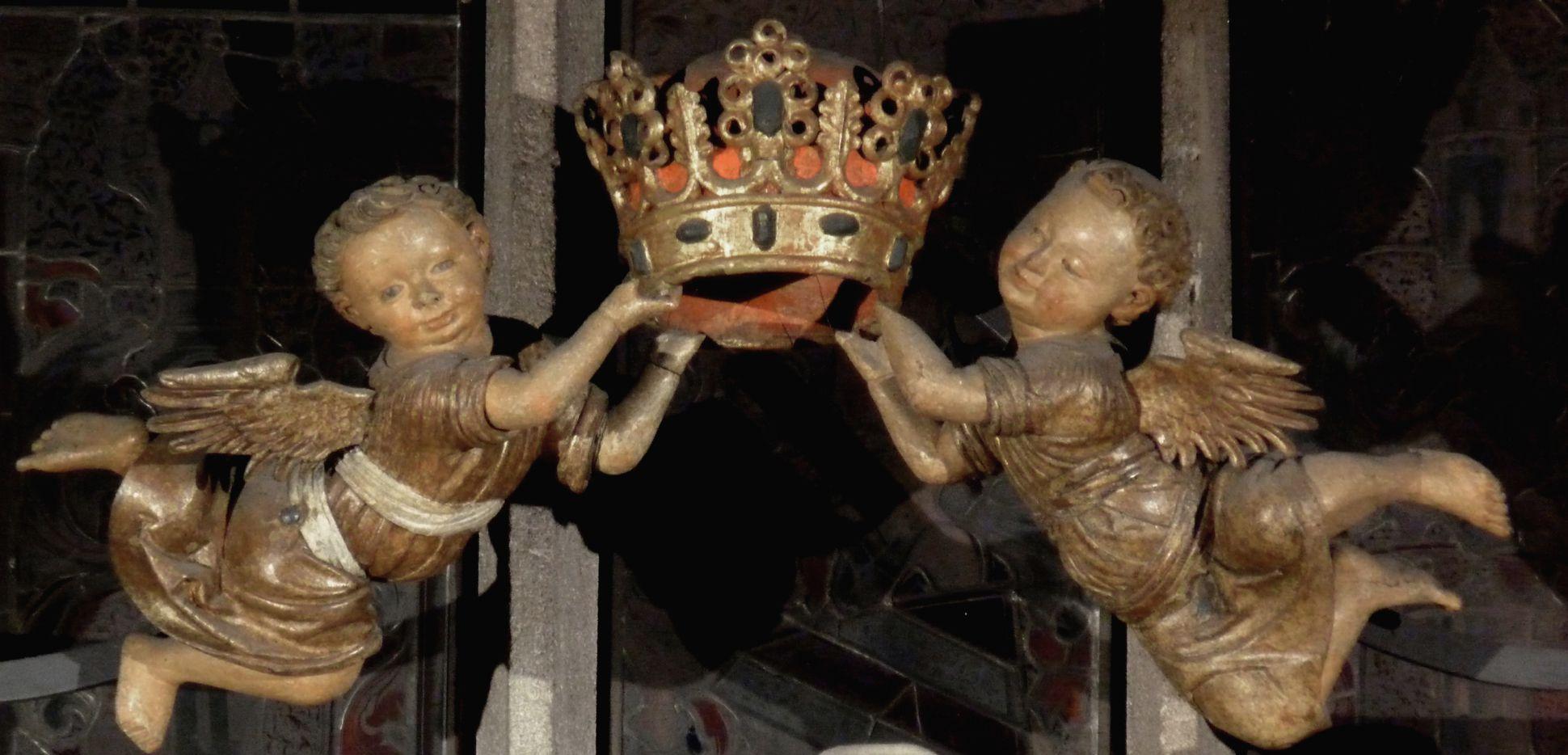 Muttergottes Kronetragende Frührenaissanceengel