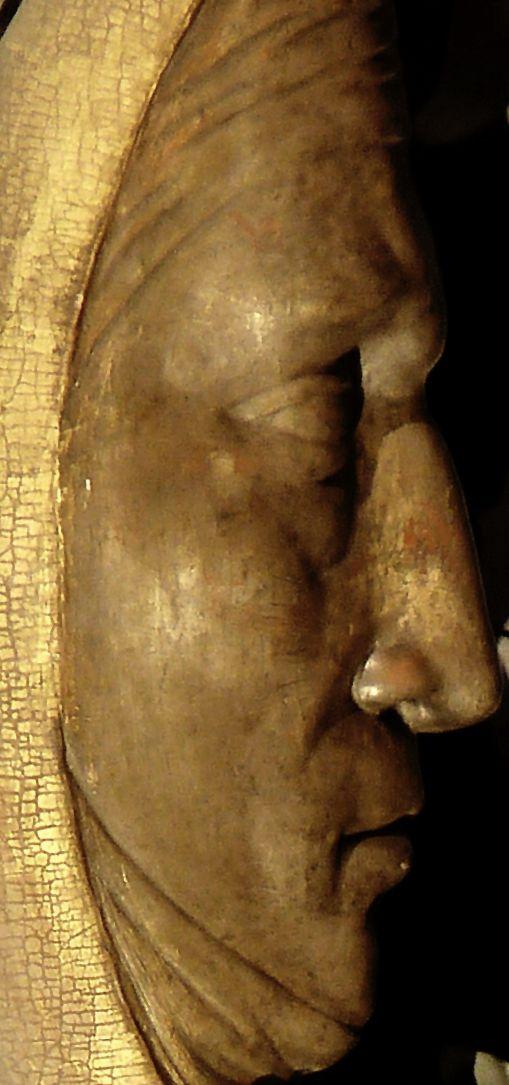 Muttergottes aufgestelltes Mondgesicht