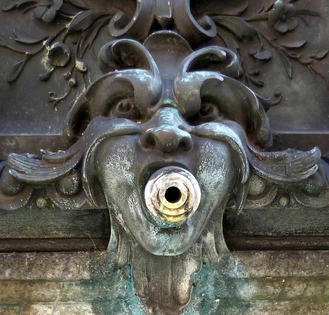Grübelsbrunnen Wasserspeier
