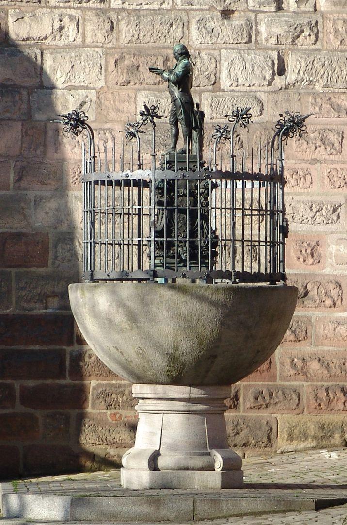 Grübelsbrunnen Gesamtansicht von Ost