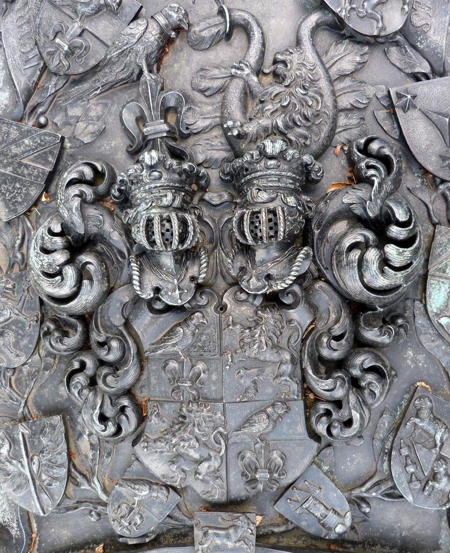 Epitaph des Andreas Georg Paumgarten Wappen der Paumgartner mit Helmzier