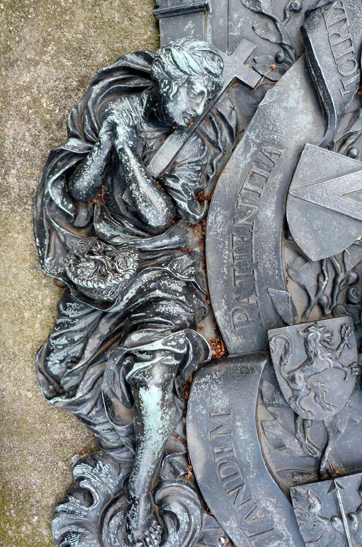 Epitaph des Andreas Georg Paumgarten Darstellung der Fides (Glaube)