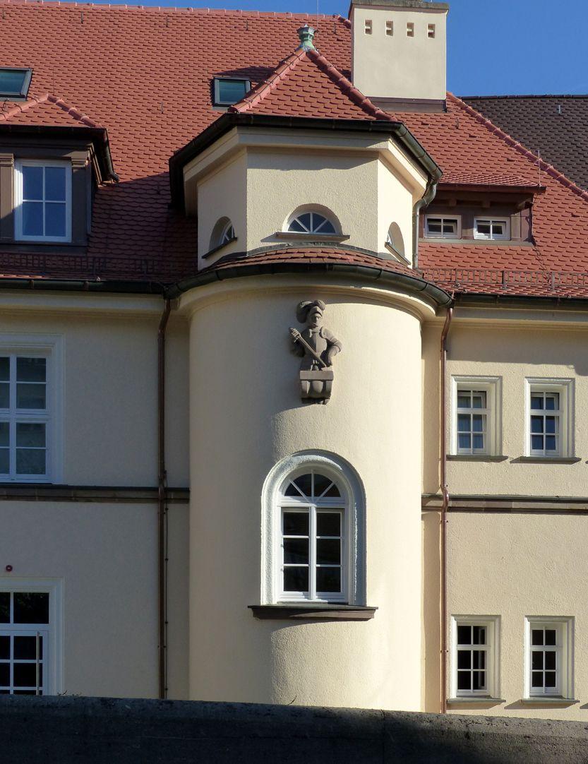ehemalige Allgemeine Ortskrankenkasse Rückfassade, Mühlgasse, Halbrundes Treppengehäuse