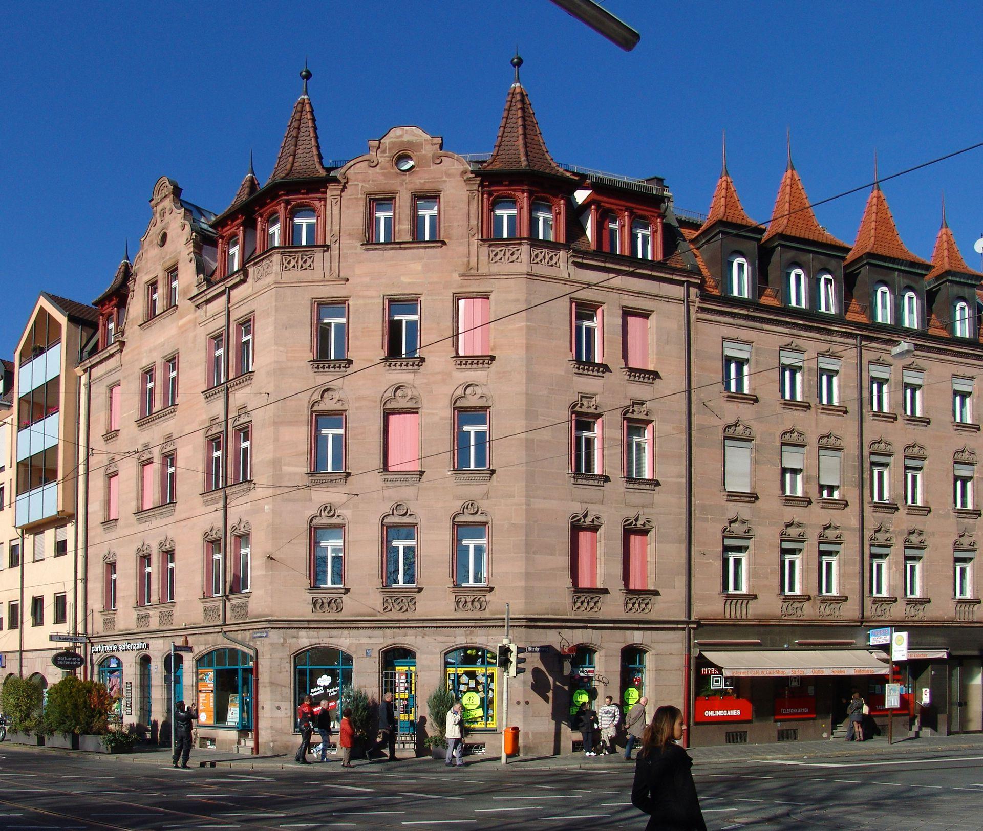 Wohn- und Geschäftshaus, Johannistraße 68 Gesamtansicht Johannistraße/Kirchenweg