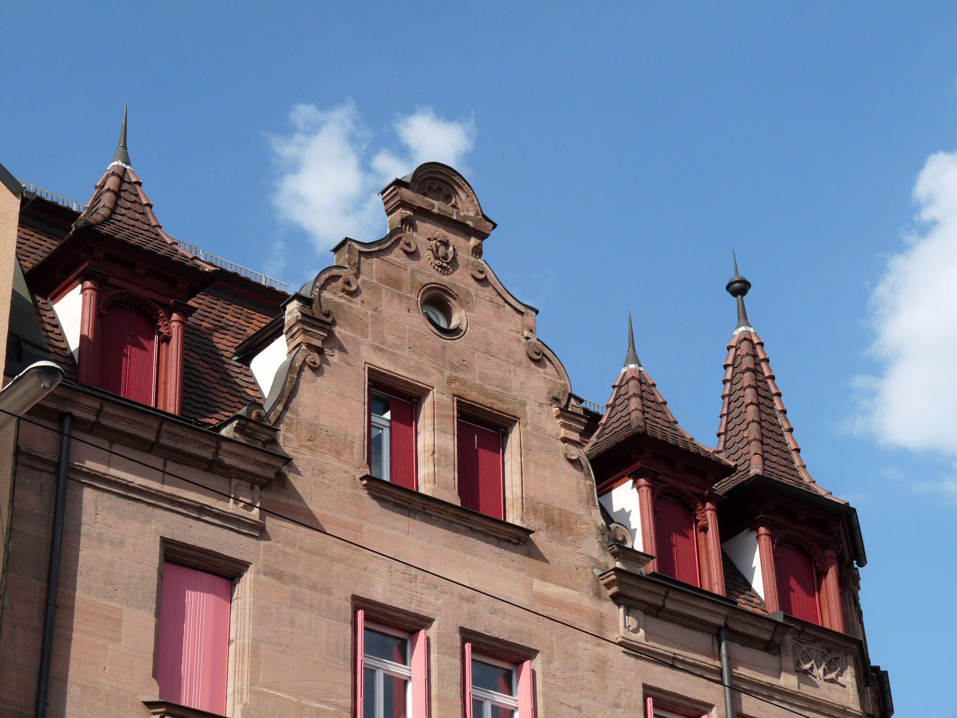 Wohn- und Geschäftshaus, Johannistraße 68 Giebel und Gauben