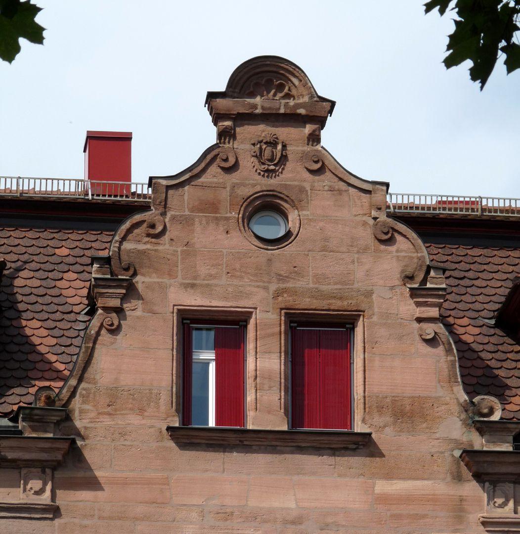Wohn- und Geschäftshaus, Johannistraße 68 südlicher Schweifgiebel