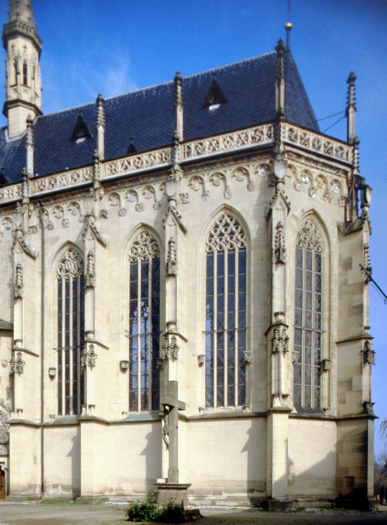 Ritterkapelle (Haßfurt) Chor von Südost geweiht 1465 mit Veränderungen Heideloffs von 1859-64