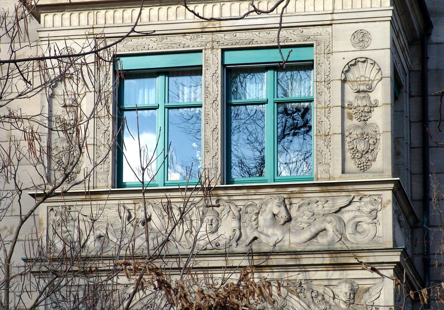 Wohnhaus, Hallerwiese Südseite, Erker, Detail
