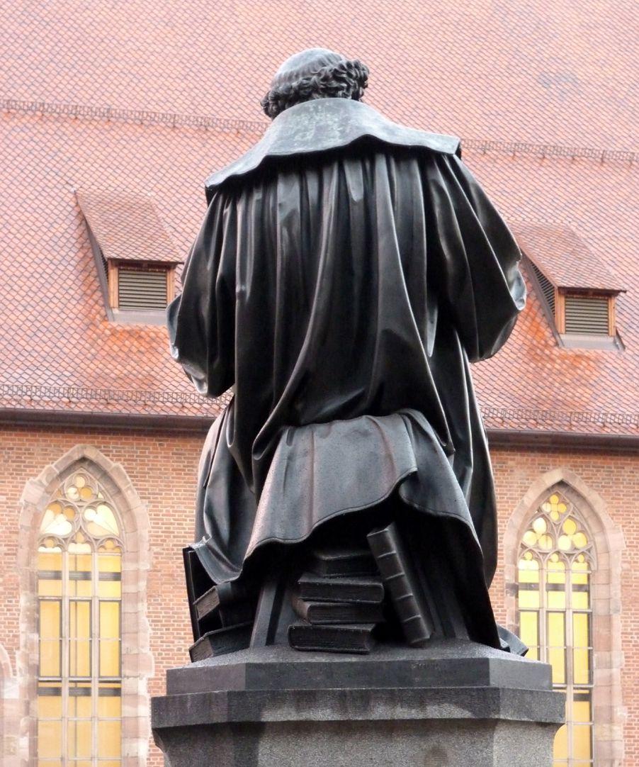 Hans Sachs Denkmal Rückansicht
