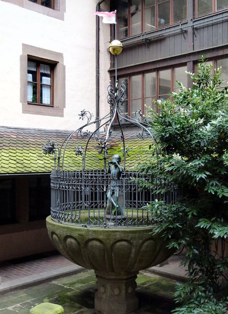 Hanselbrunnen Hanselbrunnenhof