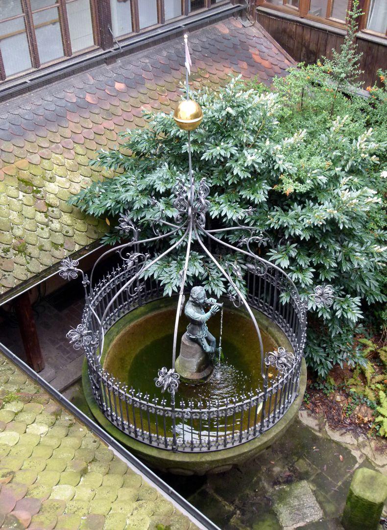 Hanselbrunnen Der Brunnen von oben