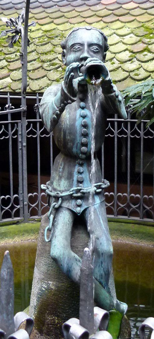 Hanselbrunnen Der Hansel von vorne