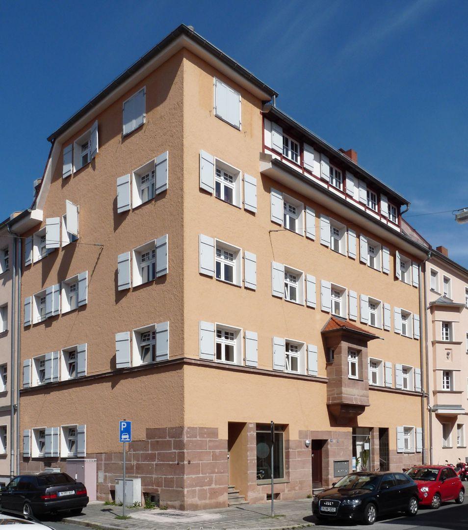Wohnhaus, Weichselstraße 10 Weichselstraße 10, Ecke Helenenstraße
