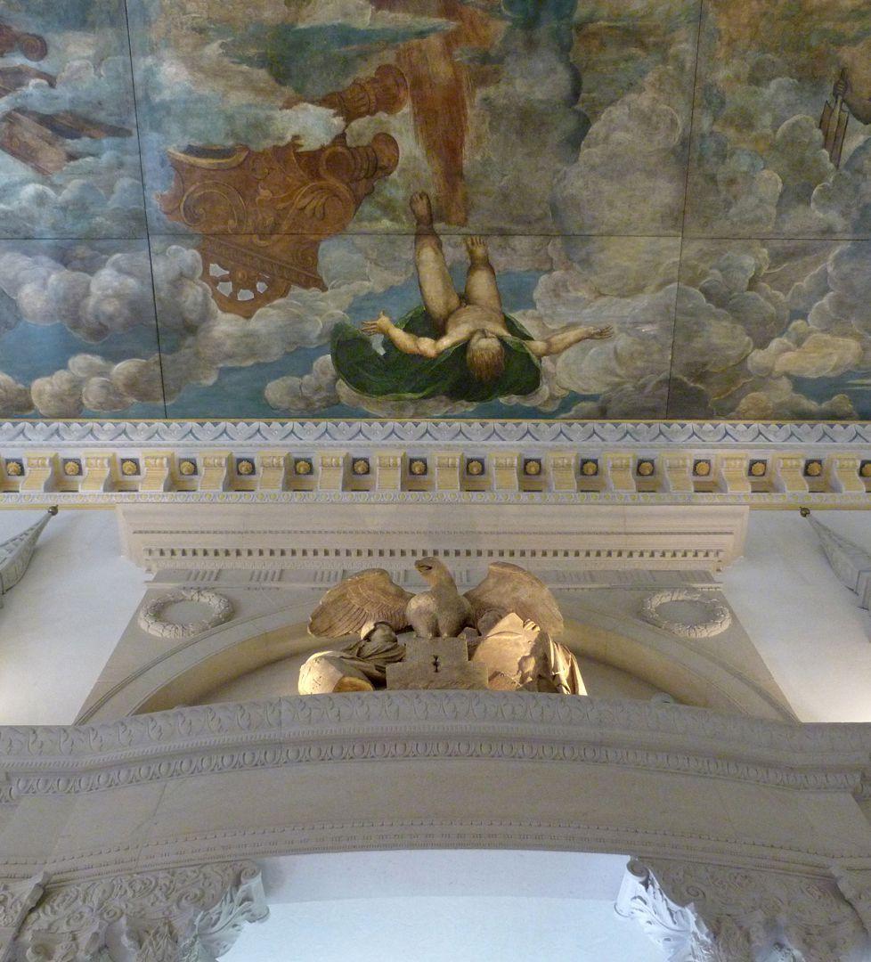 Der Sturz des Phaethon, Deckengemälde Wappen der der Familie Hirsvogel über zentralem Saalzugang mit dem Sturz des Phaethon im Deckengemälde