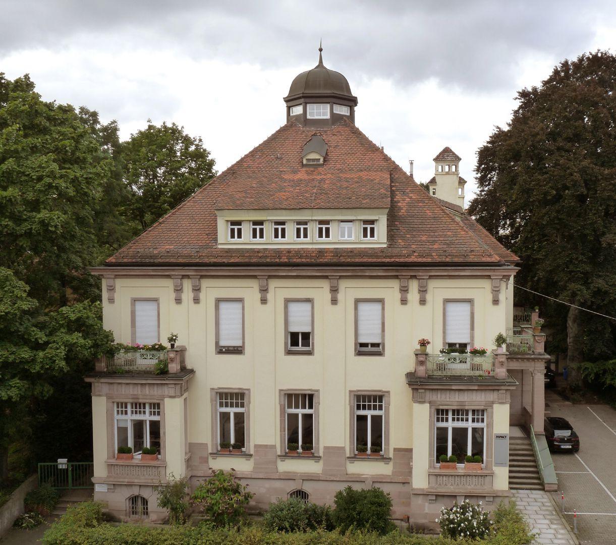 Wohnhaus, Campestraße 17 Ost- bzw. Hauptfassade