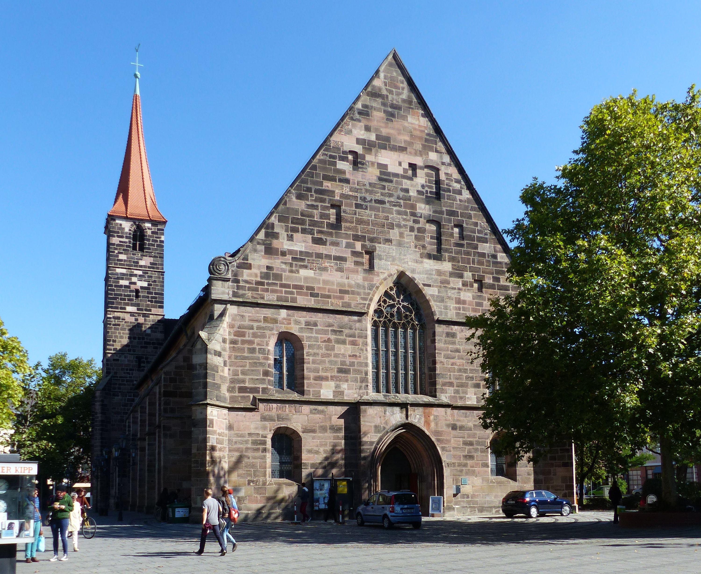 Entwurf zur Neugestaltung der Jakobskirche in Nürnberg Nürnberg, St. Jakob, Westfassade und Turm: nur das große Fenster ist neugotisch.