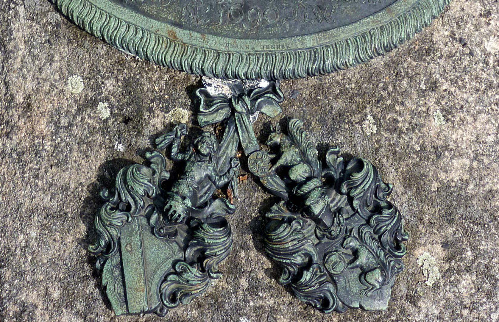 Johannisfriedhof, Grab 318/19 Detail