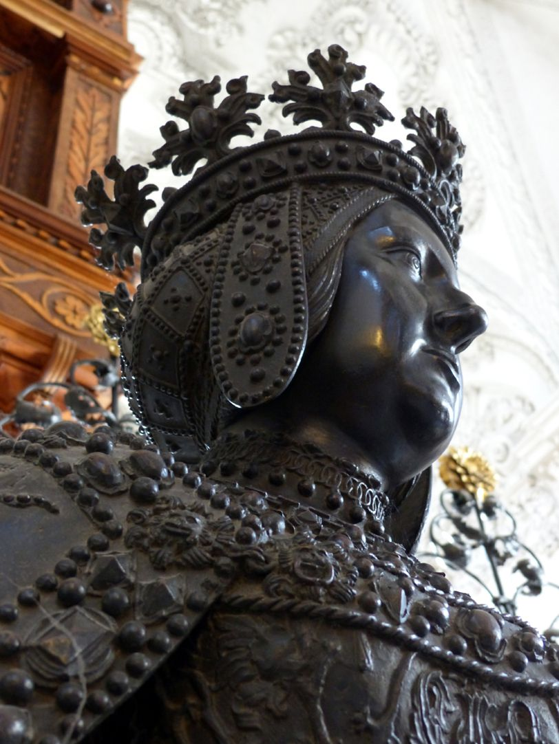 Johanna von Kastilien (Innsbruck) Profil, Untersicht