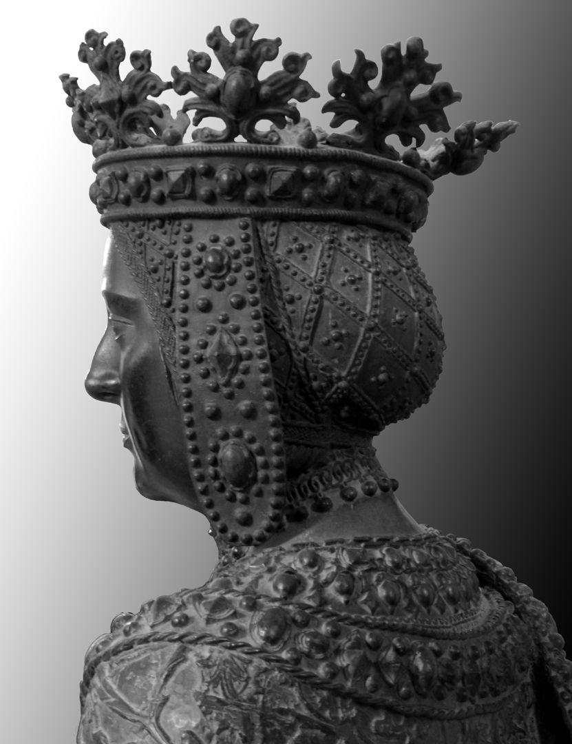 Johanna von Kastilien (die Wahnsinnige)  (Innsbruck) Büste, hintere Schrägansicht
