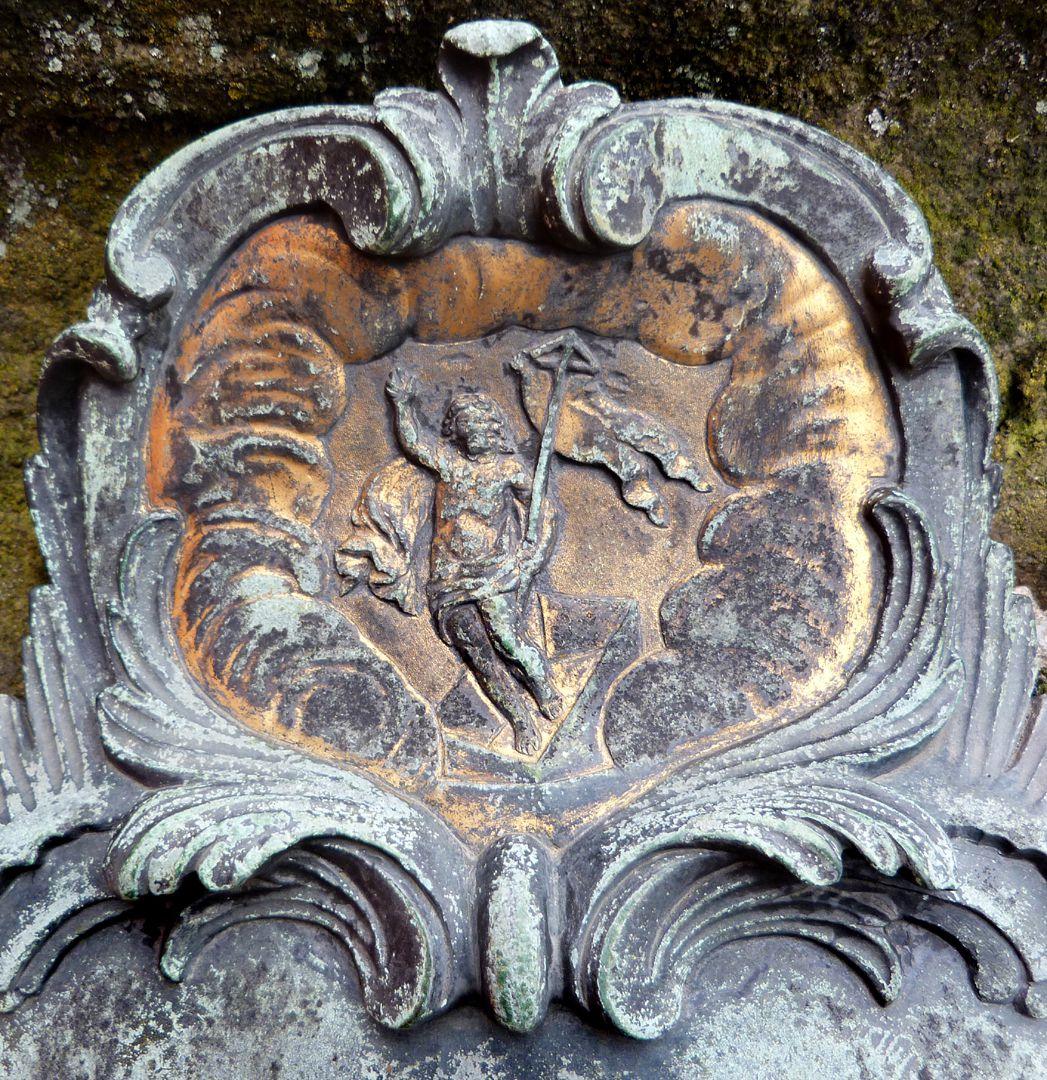 Tumba des Daniel Weidner und Ehefrau Maria Regina Leutner Ostseite, Detail mit dem wiederauferstandenen Jesus Christus