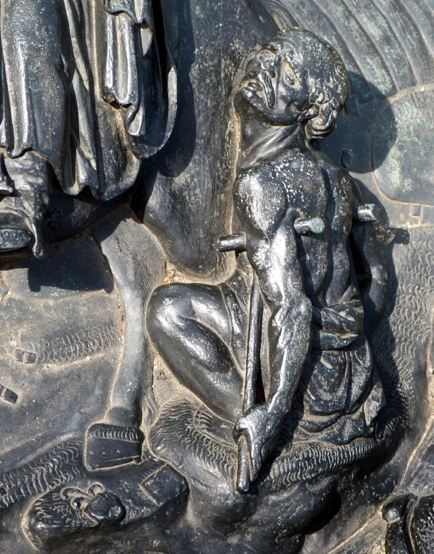 Epitaph des Martin Peller (gest. 1629) und Ehefrau Maria Viatis (gest. 1641) Bettler mit seinen Krücken
