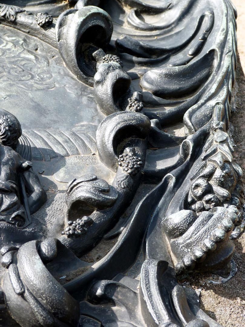Epitaph des Martin Peller (gest. 1629) und Ehefrau Maria Viatis (gest. 1641) Detail des rechten Knorpelwerks