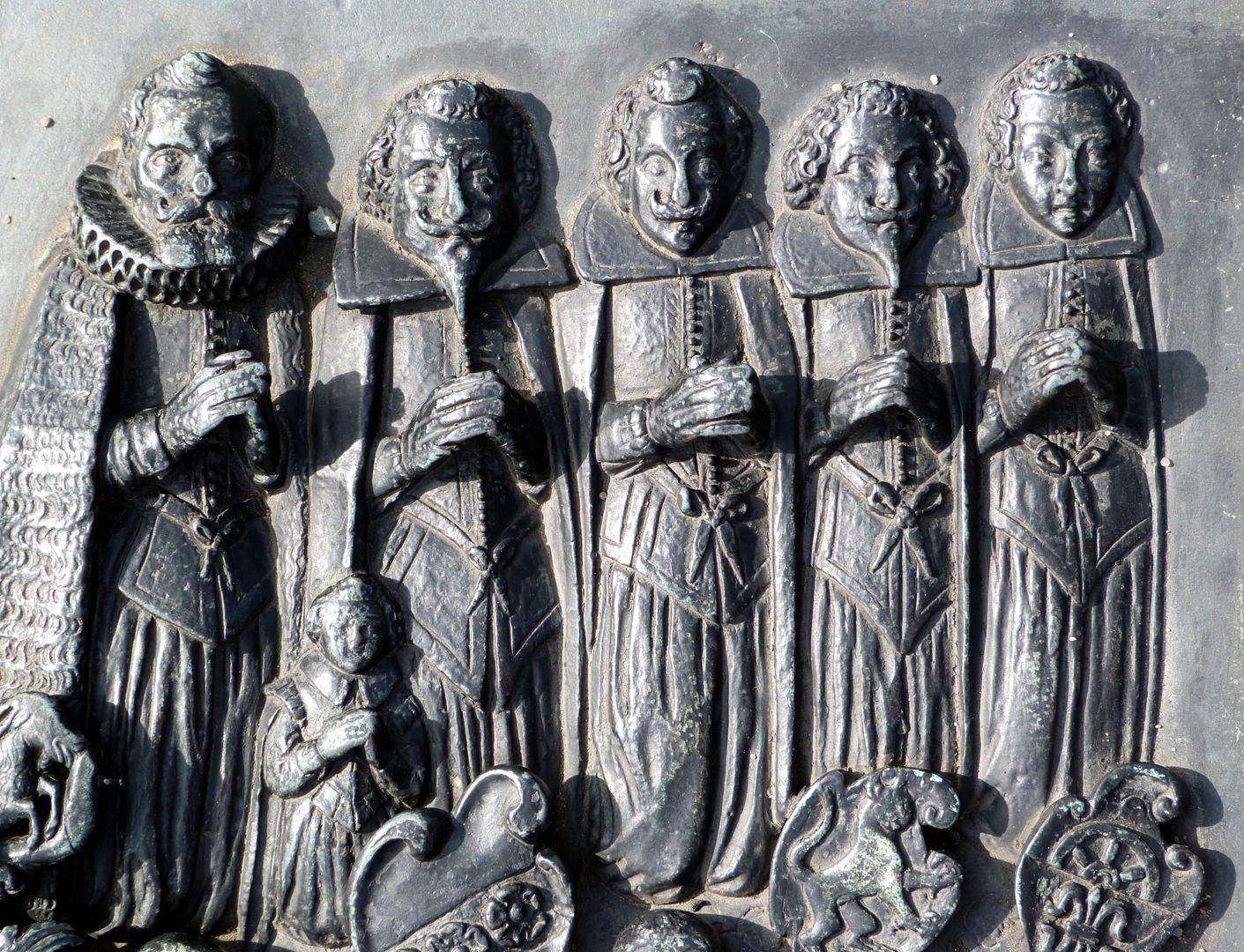 Epitaph des Martin Peller (gest. 1629) und Ehefrau Maria Viatis (gest. 1641) Martin Peller mit seinen vier Söhnen, bei ihm sein Enkel