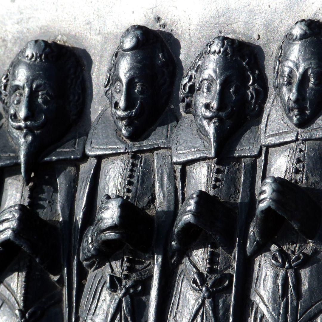 Epitaph des Martin Peller (gest. 1629) und Ehefrau Maria Viatis (gest. 1641) Martin Peller mit drei seiner Söhne, Schrägansicht, Detail