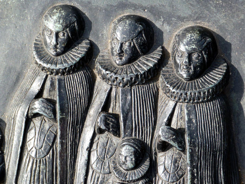 Epitaph des Martin Peller (gest. 1629) und Ehefrau Maria Viatis (gest. 1641) Drei Ehefrauen und Tochter der dritten Ehefrau, Detail