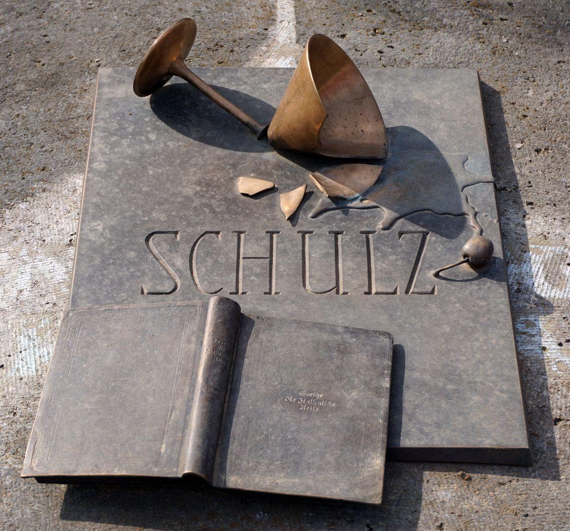 Johannisfriedhof Grabstätte II C 120 Schrägansicht von Osten