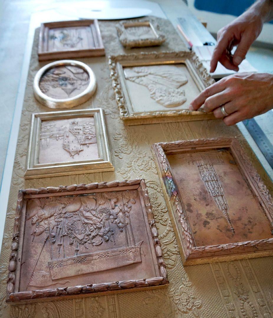 Paul Ritter Grabstätte Letzte Entscheidung in der Anordnung der einzelnen Reliefs, Bronzeguß noch unbehandelt.