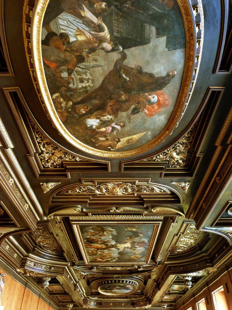 Deckengemälde im Kleinen Rathaussaal vorne: Heldentat des Marcus Curtius, Mitte: Thronender Kaiser, hinten: Abbruch der Tiberbrücke