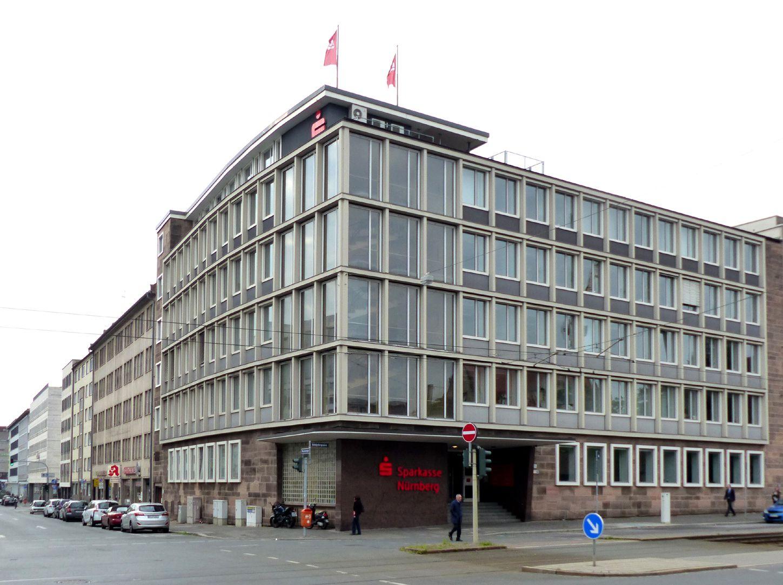Verwaltungsbau am Königstorgraben Gesamtansicht von Nordwest
