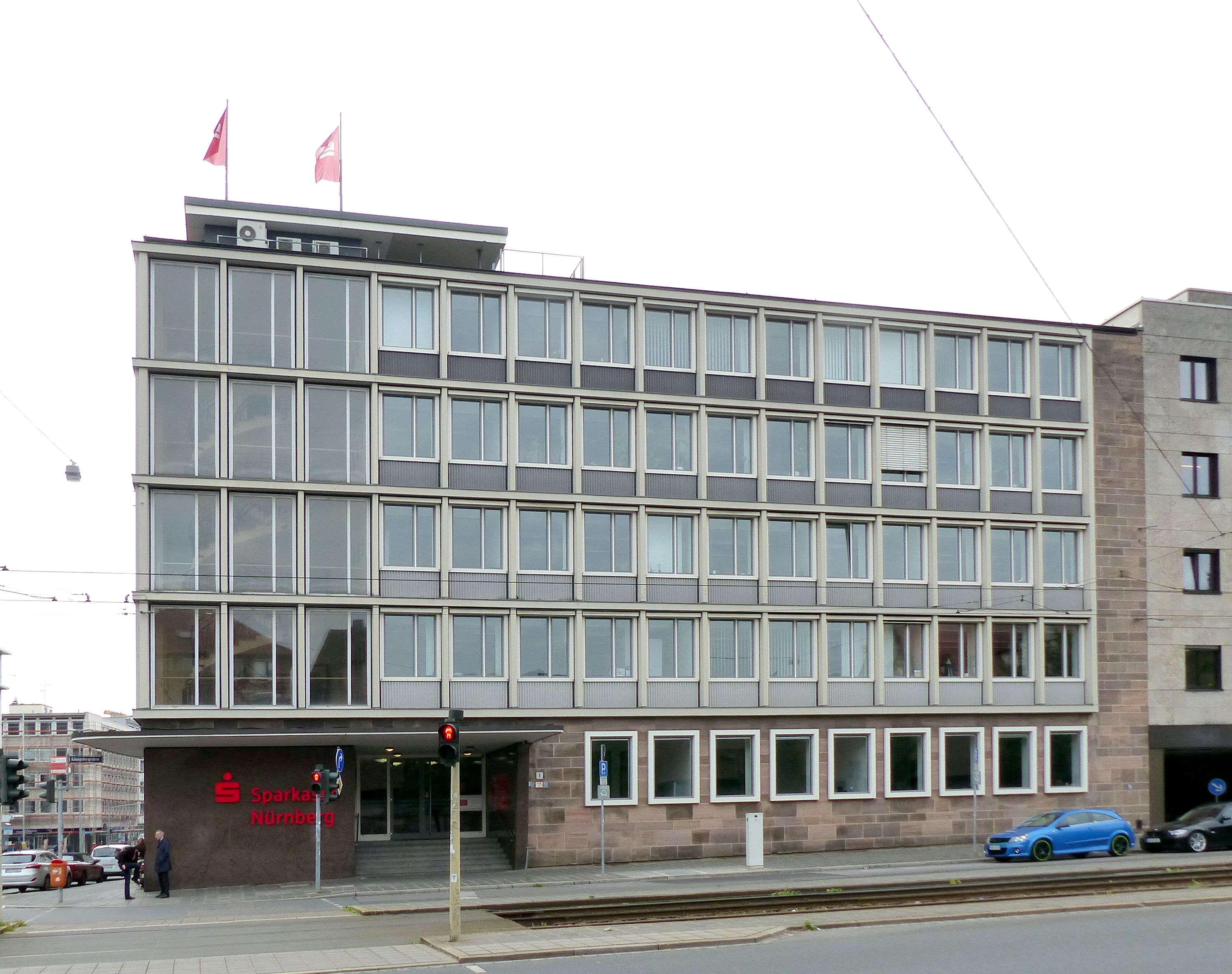 Verwaltungsbau am Königstorgraben Fassade am Königstorgraben