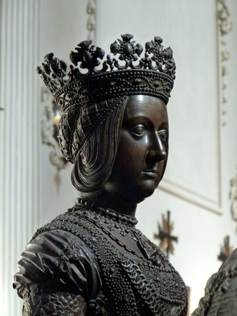 Kaiserin Bianca Maria Sforza (Innsbruck) Büste, Schrägansicht