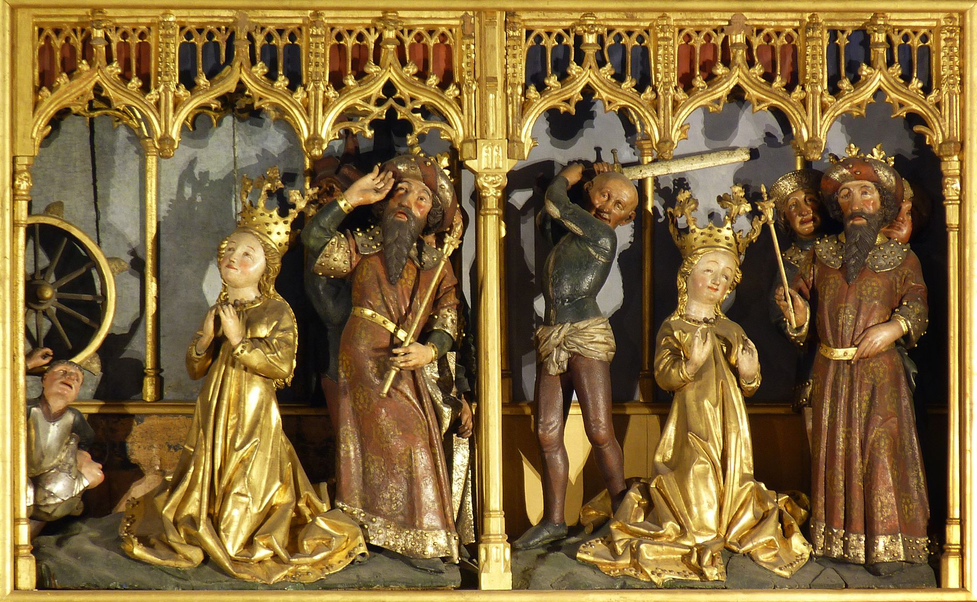 Katharinenaltar Schrein, links das Radwunder, rechts die Enthauptung der Heiligen