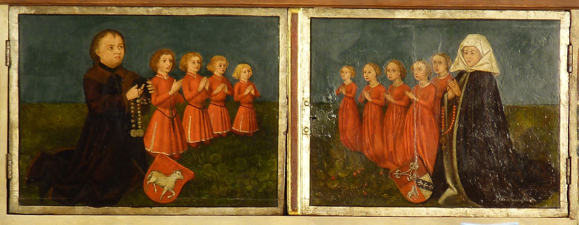 Katharinenaltar Predella in geschlossenem Zustand, links Wilhelm Loeffelholz mit Söhnen, rechts, Kunigunde Paumgärtner mit Töchtern