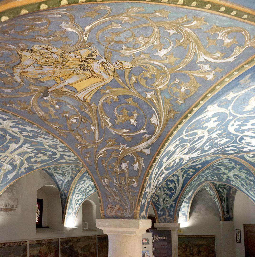 Gewölbeausmalung des Orlamündesaals Gewölbekappe mit Musikanten und Rankenwerk