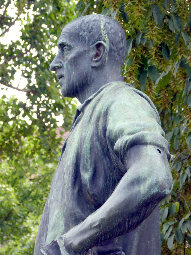 Standbild eines Bergmanns Oberkörper im Profil